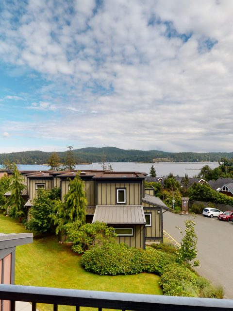 - Sooke Harbour Townhome - 147