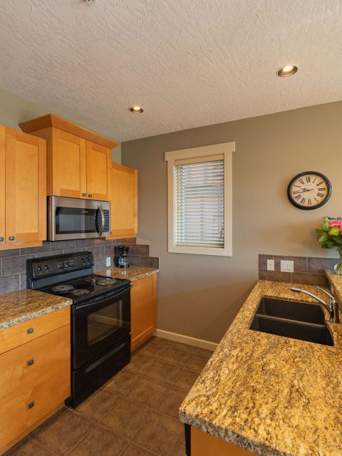 - Sooke Harbour Townhome - 123